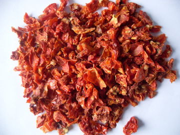 China Grade A Air Dried Tomatoes 9x9mm Size Dried Vegetable Flakes FDA Standard factory