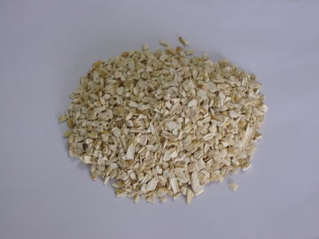 China 7% Moisture Air Dried Vegetables Dried Horseradish Granules 24 Months Shelf Life distributor